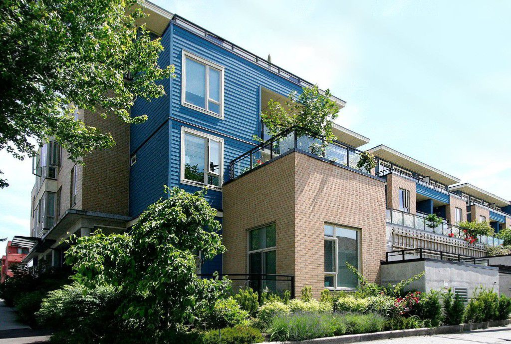 "Main Photo: PH15 688 E 17TH Avenue in Vancouver: Fraser VE Condo for sale in ""MONDELLA"" (Vancouver East)  : MLS®# V1013186"