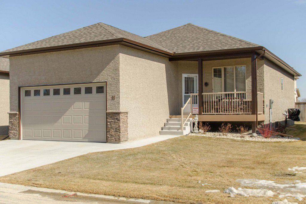 Main Photo: 11 Aspen Villa Drive in Oakbank: Single Family Detached for sale (RM Springfield)  : MLS®# 1506806