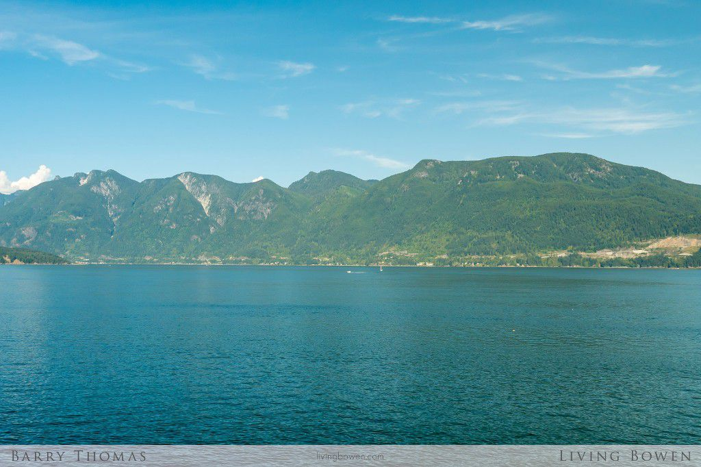 Main Photo: 1335 Catalina Road in Bowen Island: Eagle Cliff Home for sale : MLS®# R2097238