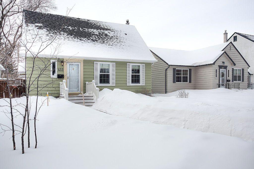 Main Photo: 433 Borebank Street in Winnipeg: River Heights North Single Family Detached for sale (1C)  : MLS®# 1702715