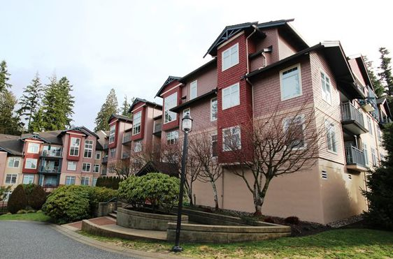 Main Photo: 102 1140 Strathaven Drive in North Vancouver: Northlands Condo for sale : MLS®# V1051662