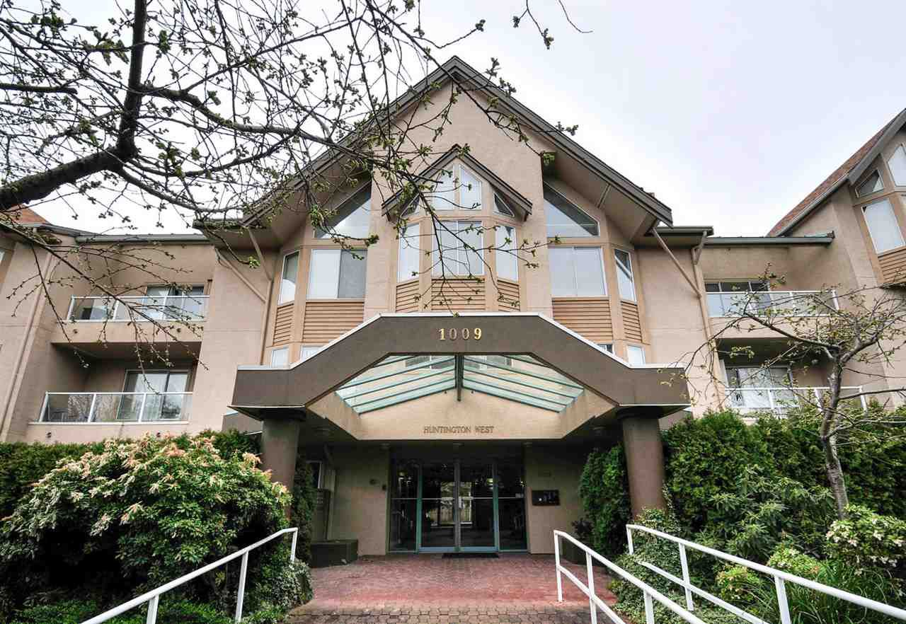 Main Photo: 112 1009 HOWAY STREET in New Westminster: Uptown NW Condo for sale : MLS®# R2045369
