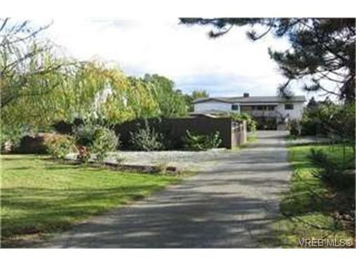 Main Photo: 9175 East Saanich Road in DUNCAN: NS Bazan Bay Single Family Detached for sale (North Saanich)  : MLS®# 235776