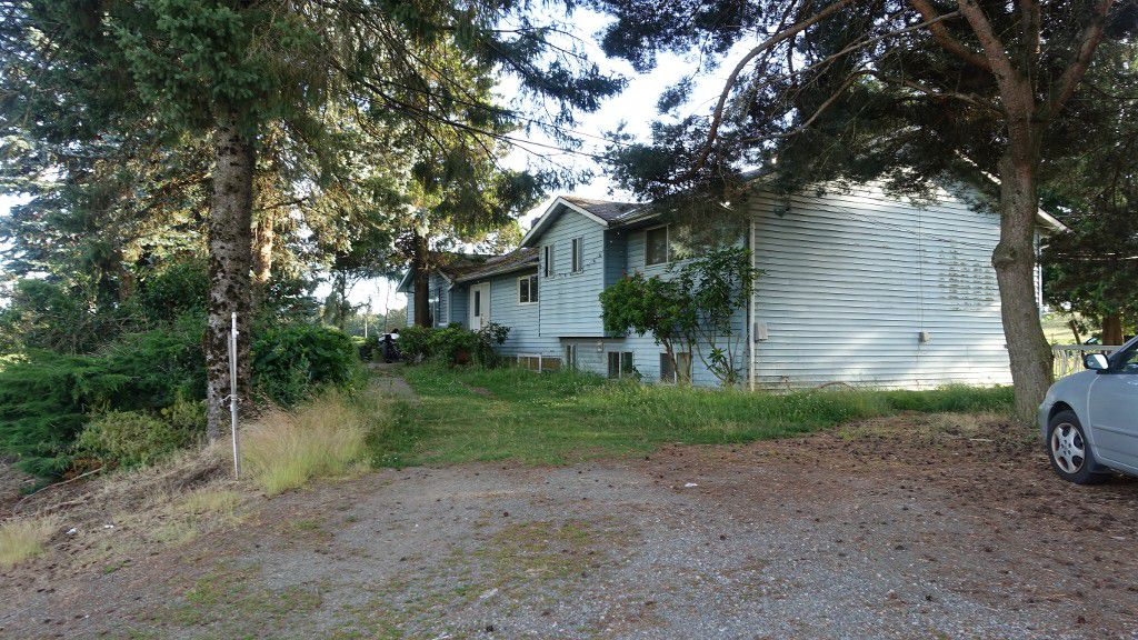 Main Photo: 225 Short Rd in Abbotsford: Poplar House for rent