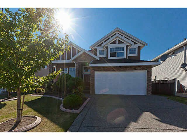 Main Photo: 6919 148A Street in Surrey: House for rent
