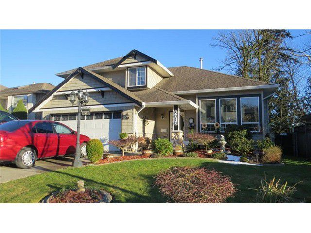 Main Photo: 8010 MELBURN DR in Mission: Mission BC House for sale : MLS®# F1405140