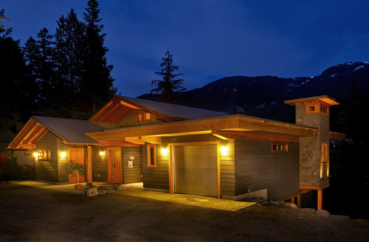 Main Photo: 5138 RAVEN LANE in Whistler: Westside House for sale : MLS®# R2019424