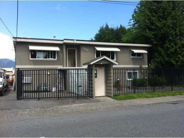 Main Photo: 46101 Princess Ave in Chilliwack: Home for sale : MLS®# C8004720