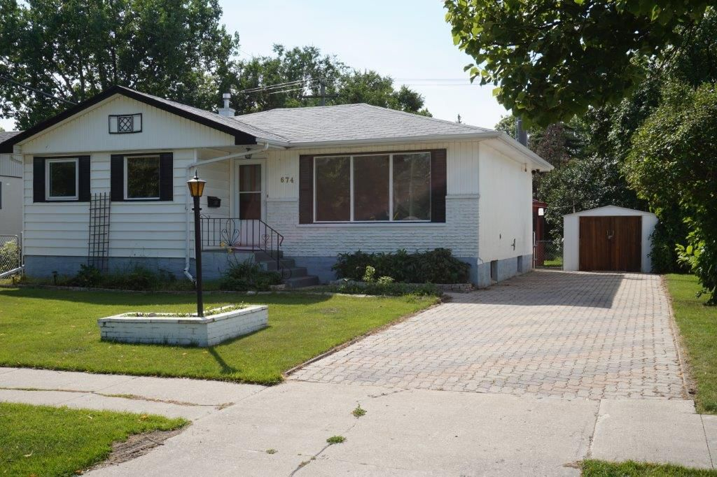Main Photo: SOLD in : Crestview Single Family Detached for sale
