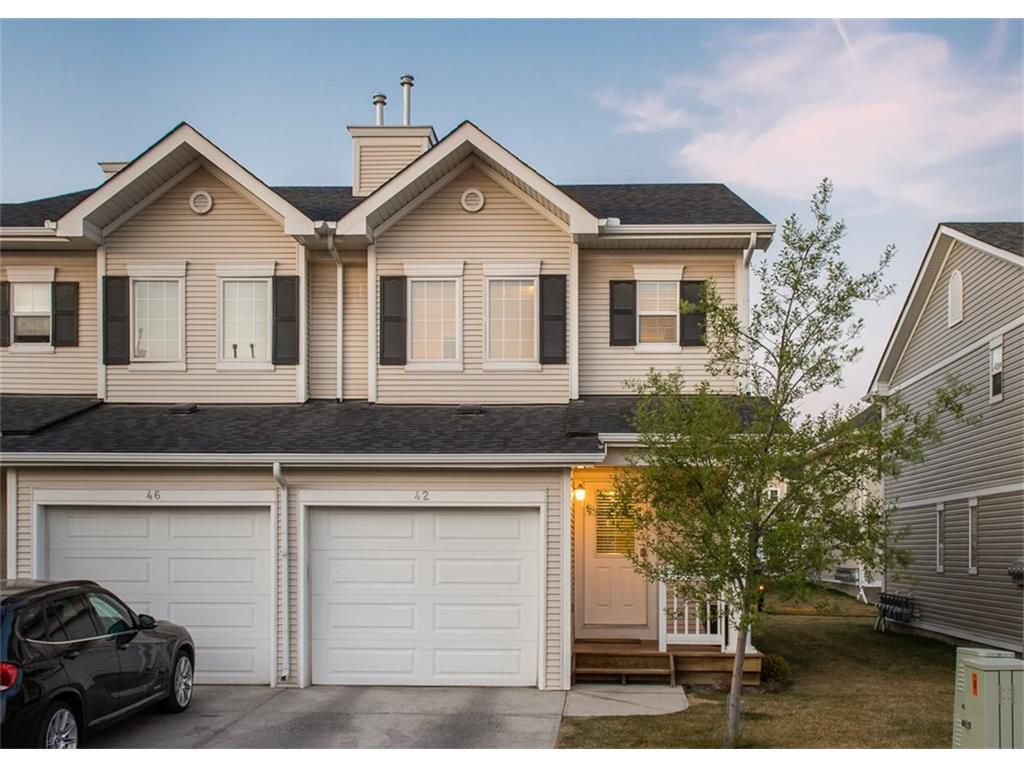 Main Photo: 42 Country Village Villa(s) NE: Calgary House  : MLS®# C4050105