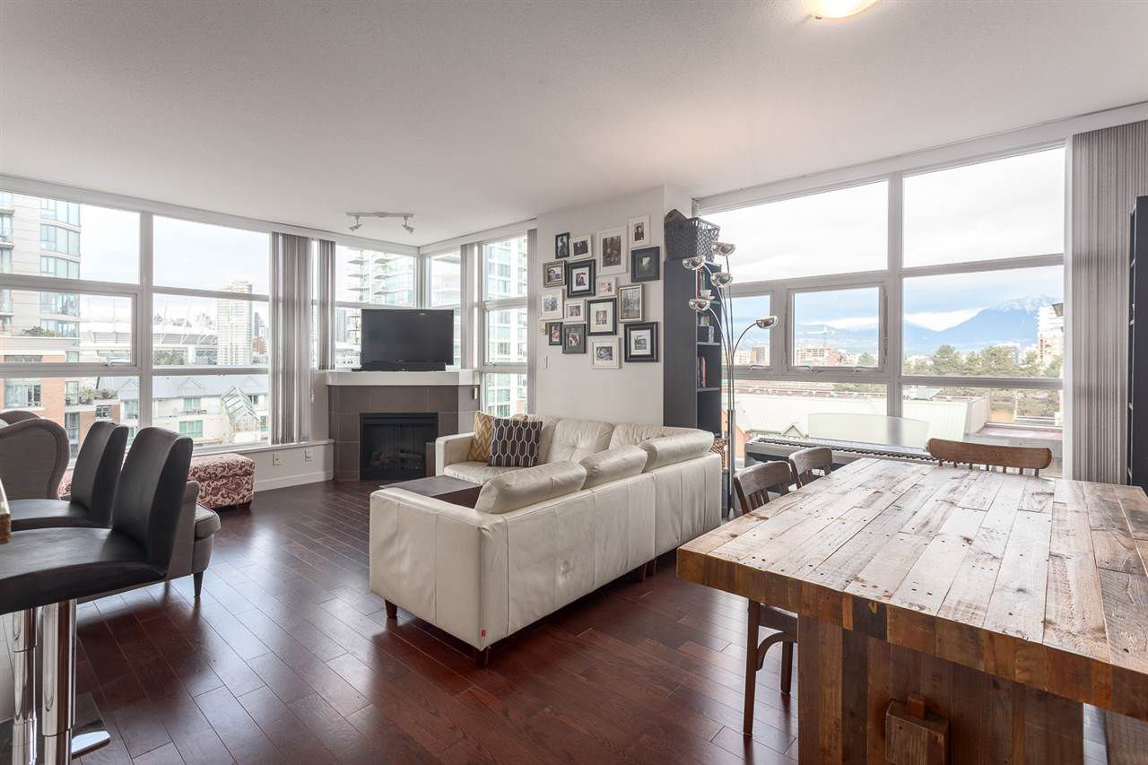 Main Photo: 701 189 NATIONAL AVENUE in Vancouver: Mount Pleasant VE Condo for sale (Vancouver East)  : MLS®# R2133336