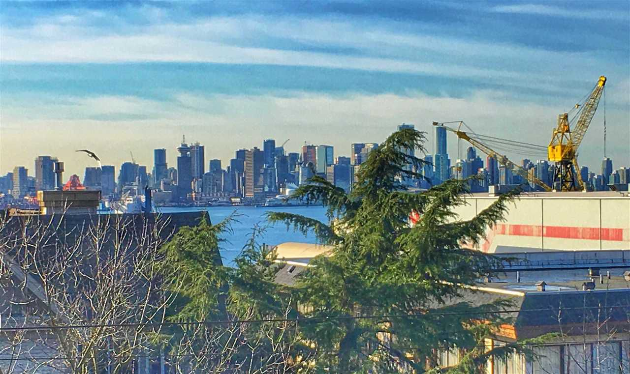 Main Photo: 312 330 E 1ST STREET in North Vancouver: Lower Lonsdale Condo for sale : MLS®# R2137307