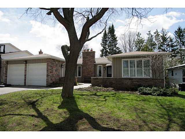 Main Photo: 5 CAMPFIRE CT in BARRIE: House for sale : MLS®# 1403506