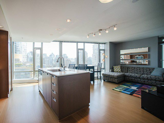 Main Photo: 1501 1255 Seymour Street in Vancouver: Downtown Condo for sale (Vancouver West)  : MLS®# V1134367