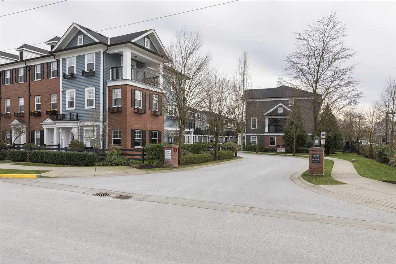Main Photo: 53 19572 FRASER WAY in : South Meadows Townhouse for sale : MLS®# R2240911