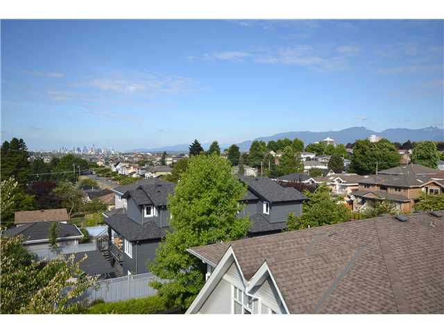 """Main Photo: 23 1203 MADISON Avenue in Burnaby: Willingdon Heights Townhouse for sale in """"MADISON GARDENS"""" (Burnaby North)  : MLS®# V968895"""