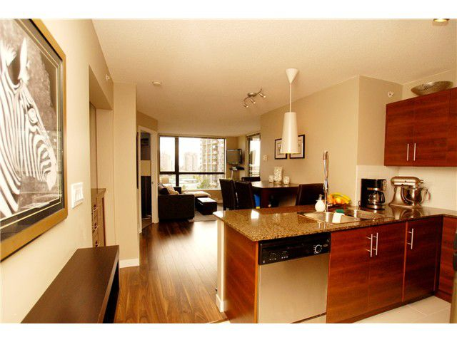"""Main Photo: 601 833 AGNES Street in New Westminster: Downtown NW Condo for sale in """"NEWS"""" : MLS®# V1027800"""