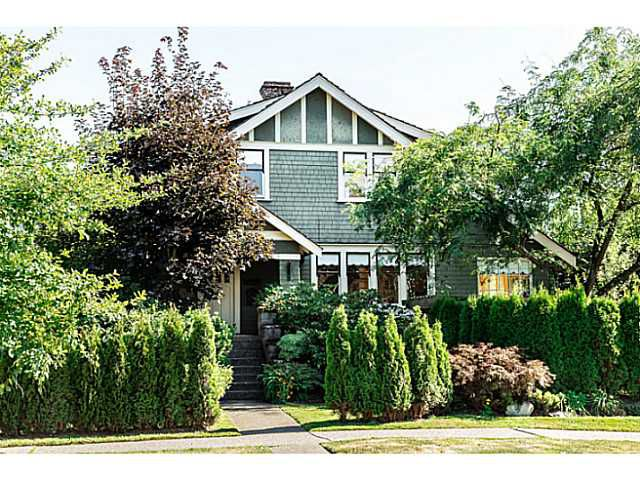 """Main Photo: 402 SIXTH Avenue in New Westminster: Queens Park House for sale in """"QUEEN'S PARK"""" : MLS®# V1083749"""