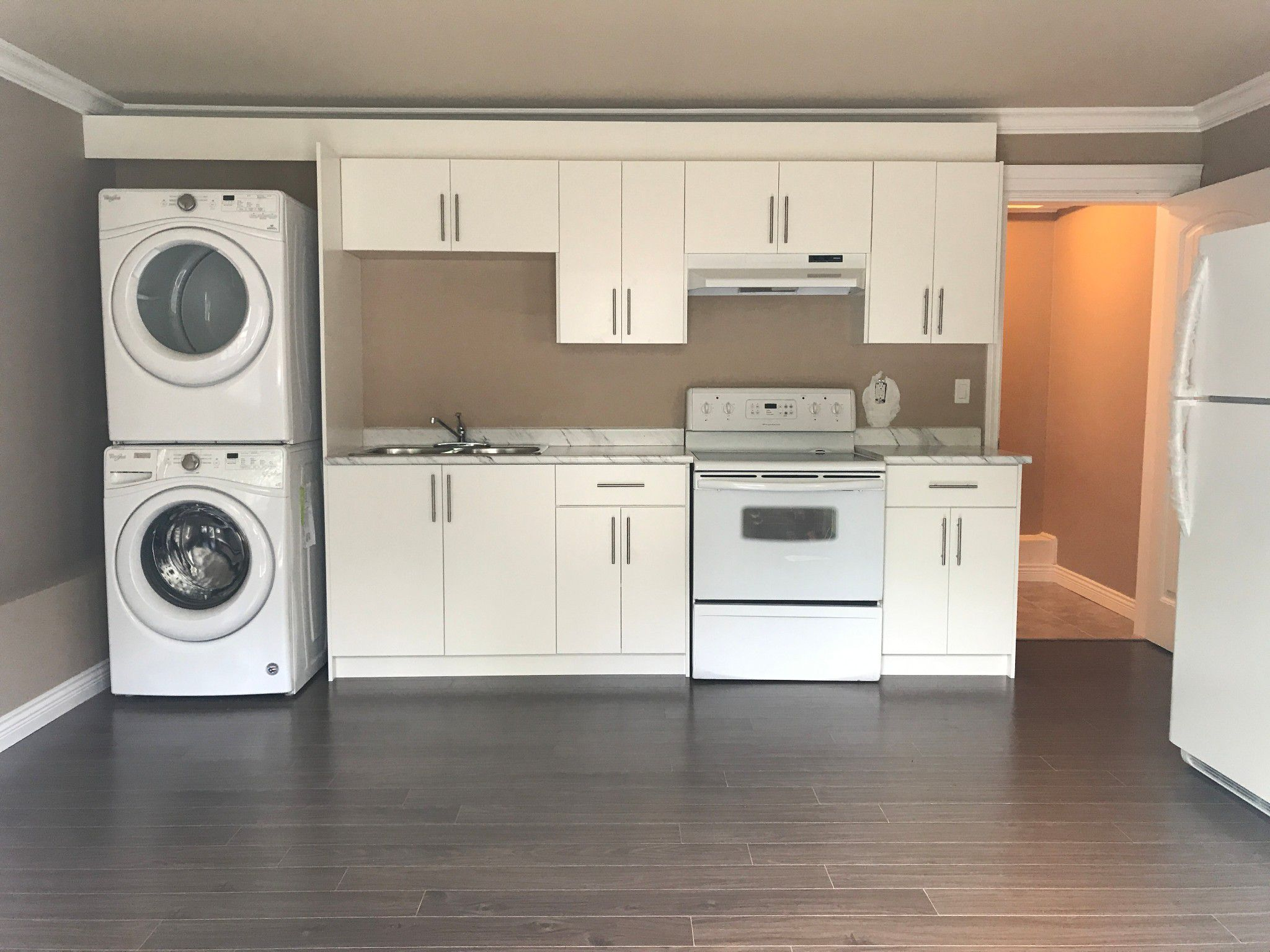 Main Photo: BSMT-B 2191 Martens St. in Abbotsford: Condo for rent
