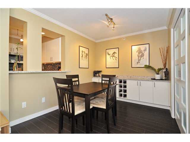 """Main Photo: 1905 950 CAMBIE Street in Vancouver: Yaletown Condo for sale in """"LANDMARK"""" (Vancouver West)  : MLS®# V972552"""