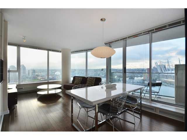 """Main Photo: # 2505 689 ABBOTT ST in Vancouver: Downtown VW Condo for sale in """"ESPANA 1"""" (Vancouver West)  : MLS®# V988273"""