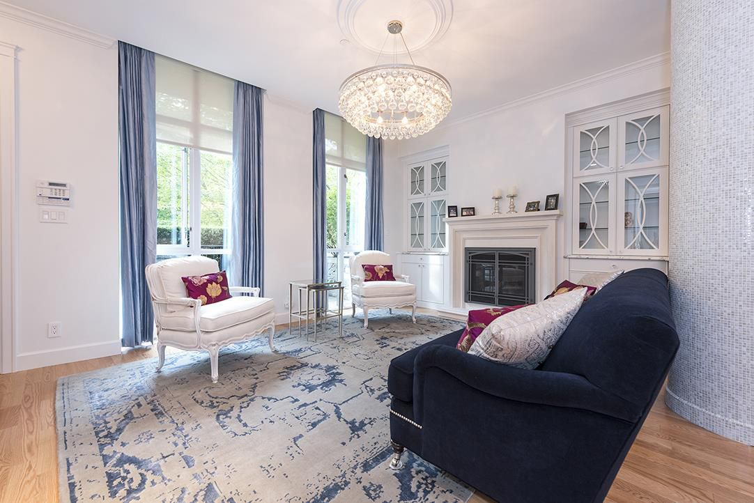 Main Photo: 471 BEACH CRESCENT in Vancouver: Yaletown Townhouse for sale (Vancouver West)  : MLS®# R2115083