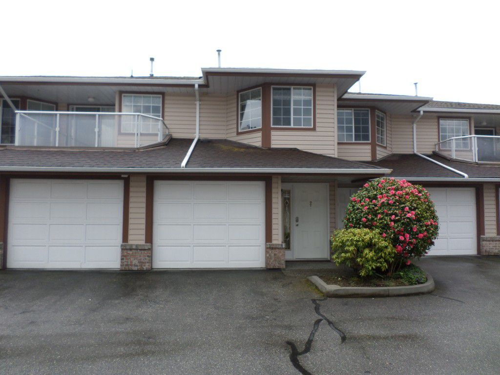 Main Photo: 2 32659 George Ferguson in Abbotsford: Abbotsford West Townhouse for sale : MLS®# R2157901
