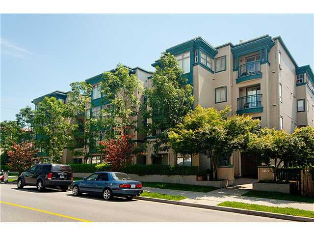 Main Photo: 406 688 E 16TH Avenue in Vancouver: Fraser VE Condo for sale (Vancouver East)  : MLS®# V975778