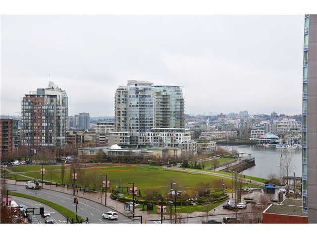 """Main Photo: 907 1438 RICHARDS Street in Vancouver: Yaletown Condo for sale in """"AZURA ONE"""" (Vancouver West)  : MLS®# V990481"""