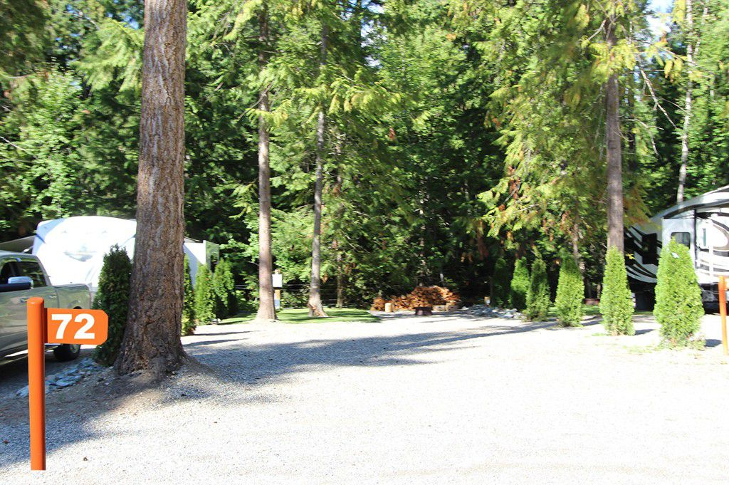 Main Photo: #72 6853 Squilax Anglemont Hwy: Magna Bay Recreational for sale (North Shuswap)  : MLS®# 10111372