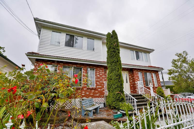 Main Photo: 906 E 30TH AVENUE in Vancouver: Fraser VE House for sale (Vancouver East)  : MLS®# R2087322