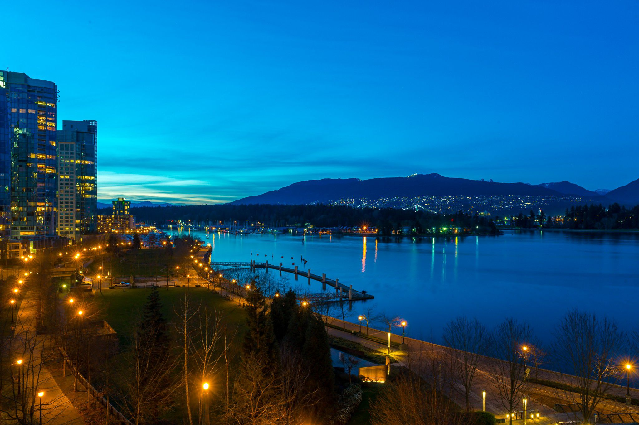 Main Photo: Coal Harbour Waterfront in Vancouver: Condo for sale