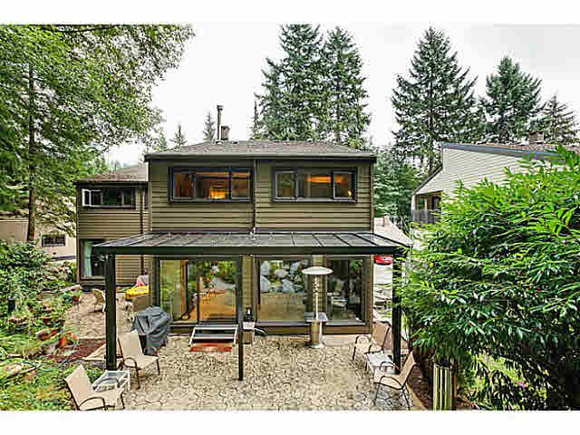 """Main Photo: 1163 HERITAGE Boulevard in North Vancouver: Seymour NV Townhouse for sale in """"HERITAGE IN THE WOODS"""" : MLS®# V1080748"""