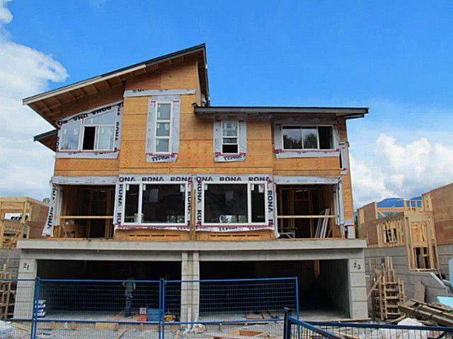 "Main Photo: # SL 25 41488 BRENNAN RD in Squamish: Brackendale House 1/2 Duplex for sale in ""Rivendale"" : MLS®# V1007305"