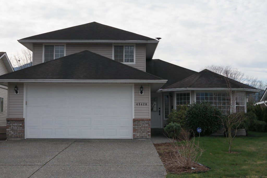 Main Photo: 45420 Spruce Dr. in Chilliwack: House for sale (Sardis)  : MLS®# H2150746