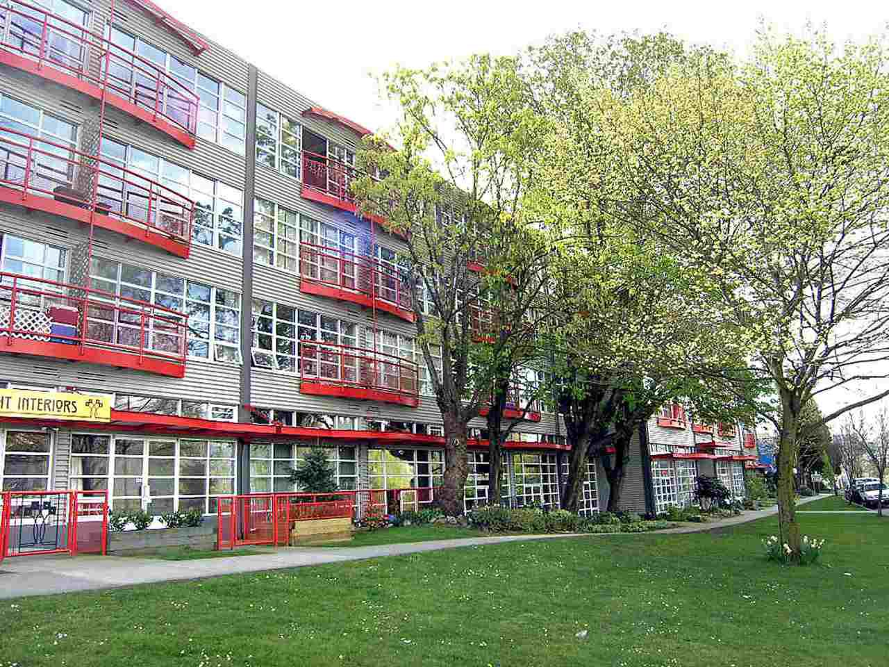 Main Photo: 214 350 E 2ND AVENUE in Vancouver: Mount Pleasant VE Condo for sale (Vancouver East)  : MLS®# R2014150