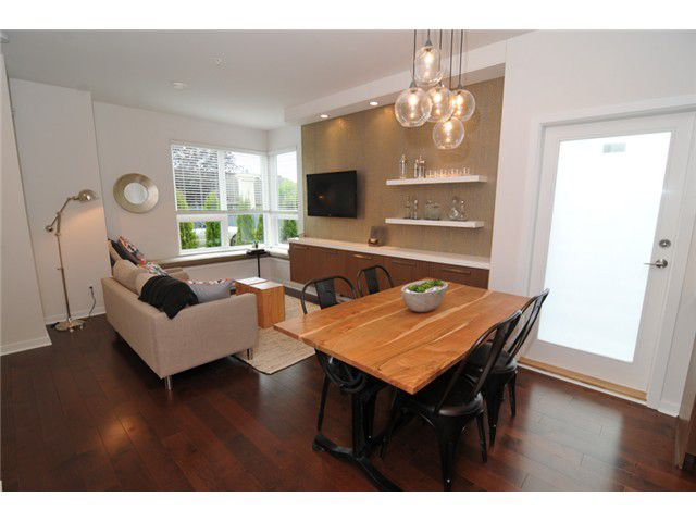 Main Photo: 8428 GLADSTONE ST in Vancouver: Fraserview VE Condo for sale (Vancouver East)  : MLS®# V1049623
