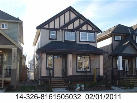Main Photo: 19122 68th Avenue in Cloverdale: Clayton House for sale : MLS®# R2060007