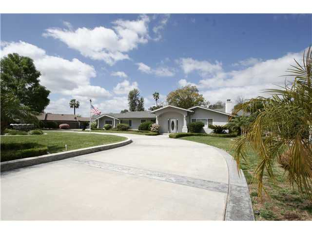 Main Photo: EL CAJON House for sale : 5 bedrooms : 642 Lipizzan Way