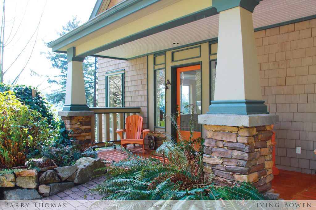 Main Photo: 379 Creek Road: Bowen Island House for sale : MLS®# V1062083