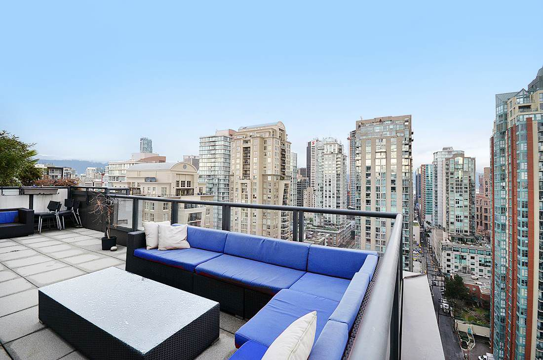 Main Photo: 2302 1010 RICHARDS STREET in Vancouver: Yaletown Condo for sale (Vancouver West)  : MLS®# R2090358