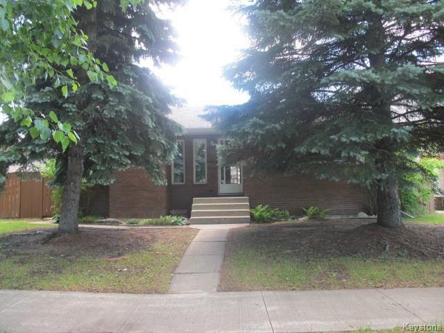 Main Photo:  in WINNIPEG: East Kildonan Residential for sale (North East Winnipeg)  : MLS®# 1416037