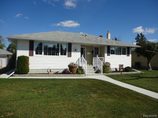 Main Photo: 511 Parkview Street in WINNIPEG: St James Residential for sale (West Winnipeg)  : MLS®# 1421651