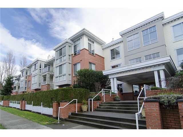 """Main Photo: 212 360 E 36TH Avenue in Vancouver: Main Condo for sale in """"MAGNOLIA GATE"""" (Vancouver East)  : MLS®# V984944"""