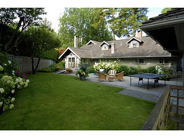 Main Photo: 2641 CRESCENT DR in Surrey: Crescent Bch Ocean Pk. House for sale (South Surrey White Rock)  : MLS®# F1408380
