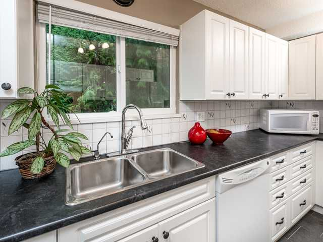 Main Photo: 606 GODWIN CRT CT in Coquitlam: Coquitlam West Condo for sale : MLS®# V1115429