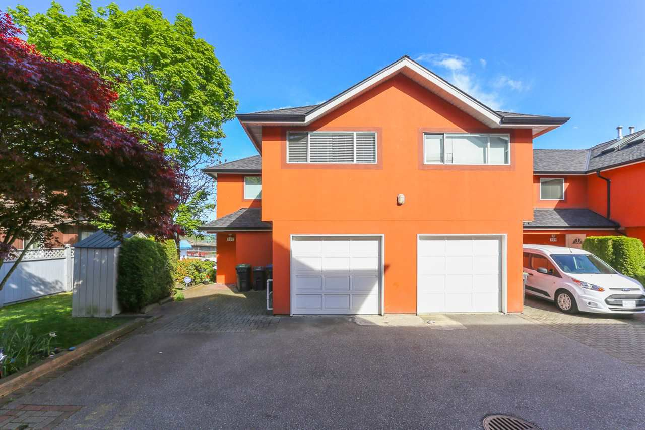Main Photo: 107 303 CUMBERLAND STREET in New Westminster: Sapperton Townhouse for sale : MLS®# R2060117