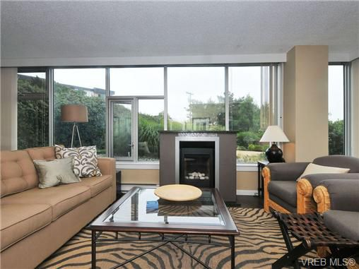 Main Photo: 102 325 Maitland Street in VICTORIA: VW Victoria West Residential for sale (Victoria West)  : MLS®# 340539