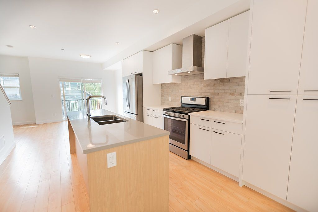 Main Photo: 39 22810 113 Avenue in Maple Ridge: East Central Townhouse for sale : MLS®# R2282058