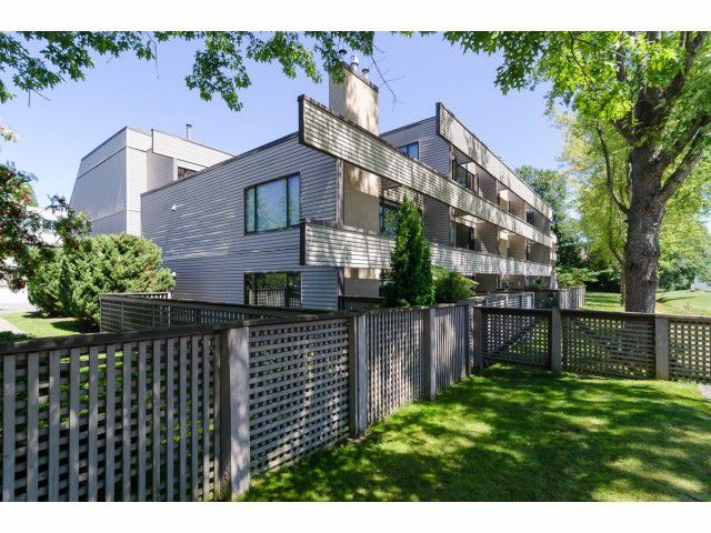 Main Photo: # 201 15313 19TH AV in Surrey: King George Corridor Condo for sale (South Surrey White Rock)  : MLS®# F1418831